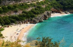 mega-drafi-beach-sivota-epirus