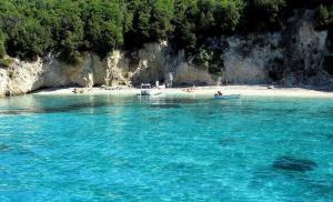 pisina-beach-1-sivota-epirus