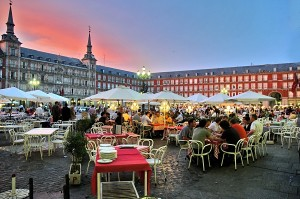 plazamayor-madrid-spain-vinciustupinamba-editorialuseonly-shutterstock_1079364-600